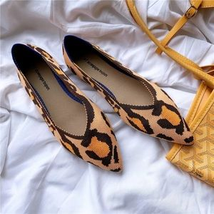 Leopard Pointed Toe Flats flexible Size 8